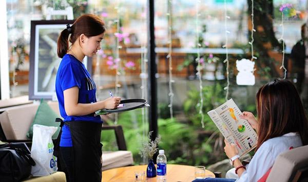 Tuyển chọn nhân viên khi kinh doanh cafe