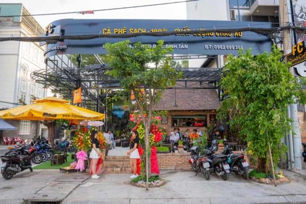 Xác Định Vị Trí Của Quán Cafe