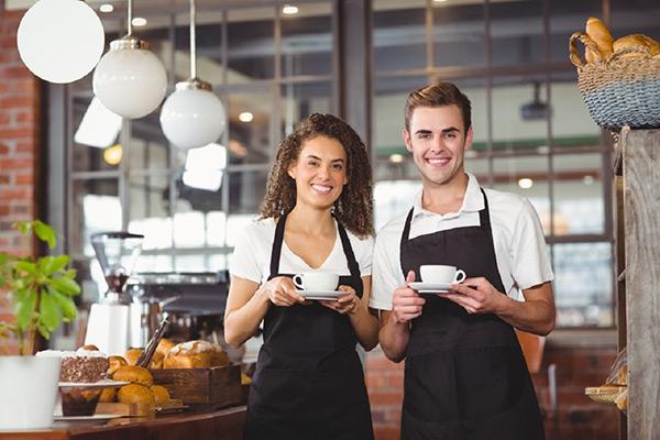 Lựa chọn vật dụng và tuyển nhân viên