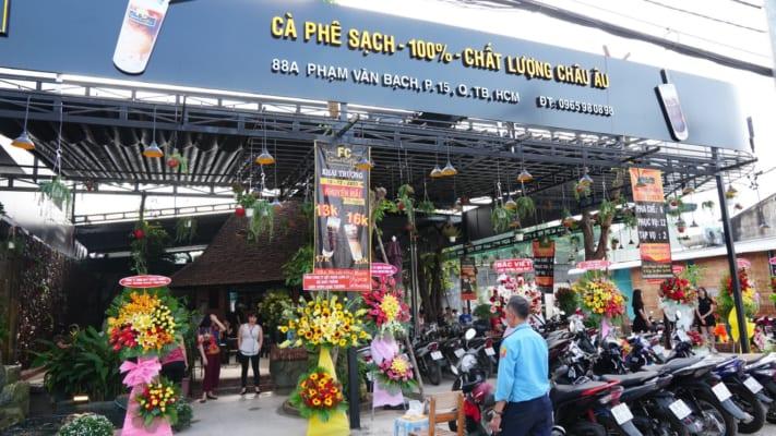 fc-good-coffee-khong-gian-ca-phe-yen-tinh-cho-dan-van-phong